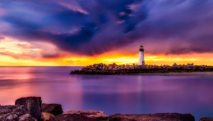 lighthouse-header-image.jpg
